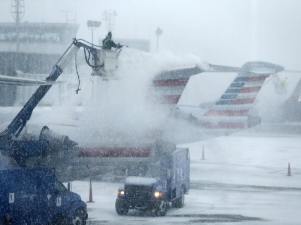 usa More than 1000 flights canceled as snowstorm slams Midwest