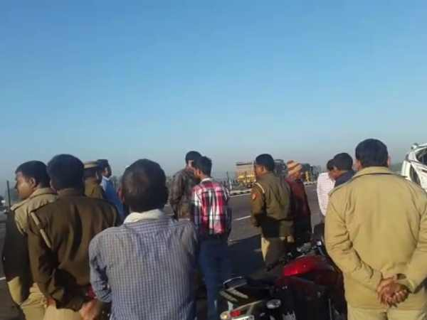 Three killed when truck hit UPEIDA workers in on Agra Lucknow Express way