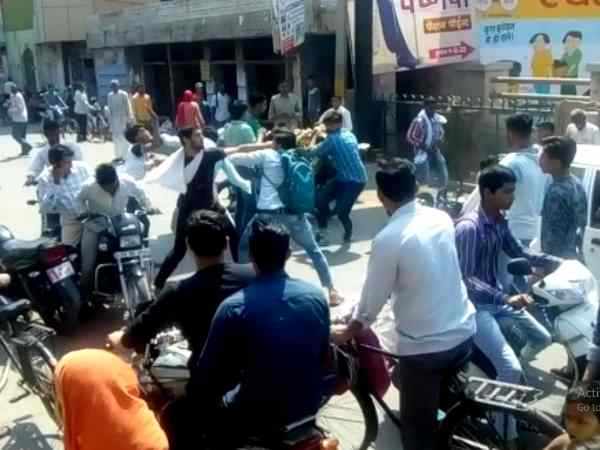 Fight of two groups of students in Baghpat