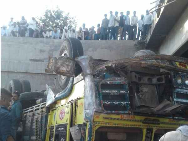 gujarat bhavnagar accident pictures many people dead