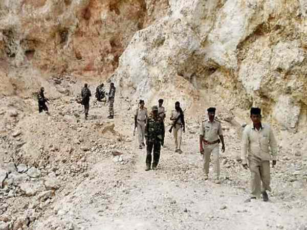 Death of laborers by mines in Nawada