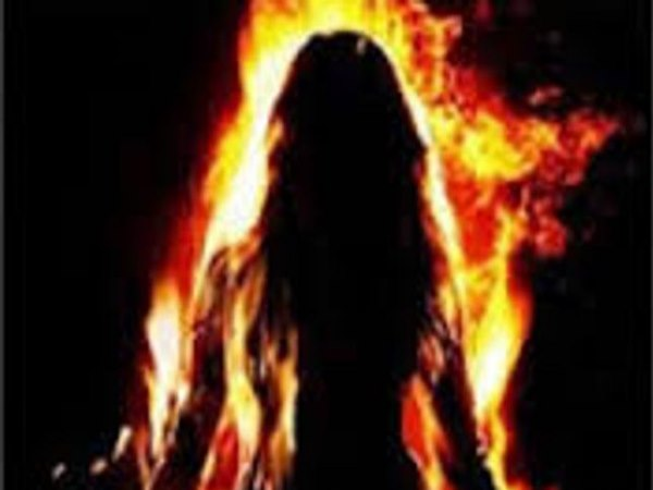 unnao wife commited suicide after dispute with husband on holi