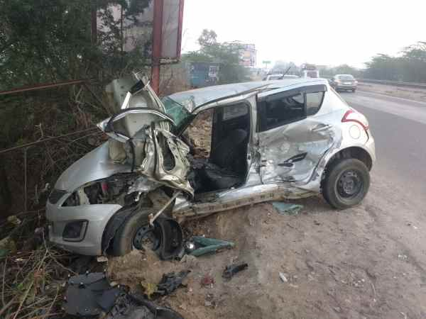 Unnao: Two poets KD Sharma & Pramod Tiwari killed in car accident