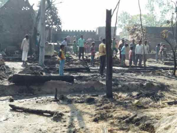 Fire in village of Kannauj, many houses burnt