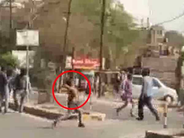 Stone throwing in two sides in Kanpur