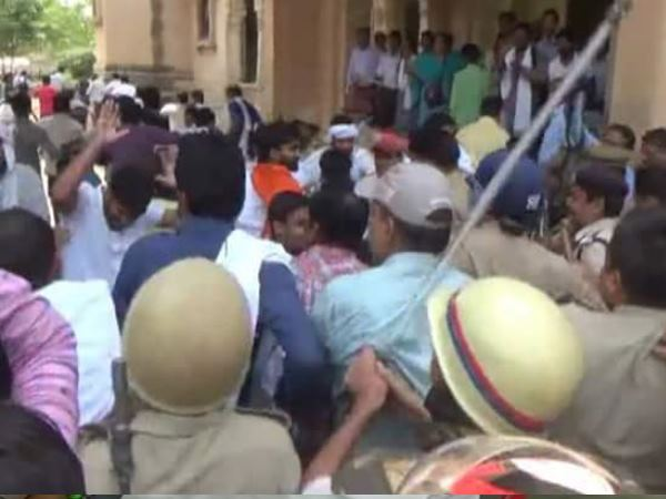 allahabad university two student group firing on each other