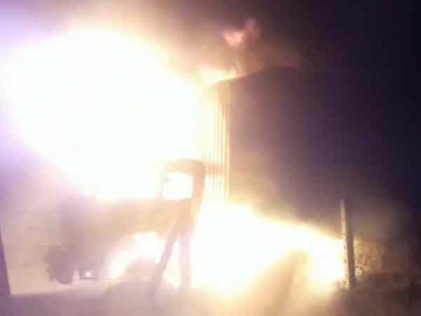 A fire on containers and 8 magic vehicles short circuits in Shahjahanpur