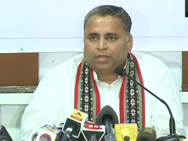 No beef ban in Tripura says bjp leader Sunil Deodhar