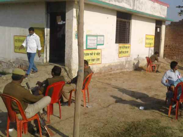 Only 38 percent voting in Phulpur by election
