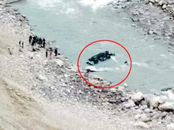 Four killed when bus in Himachal fell in river
