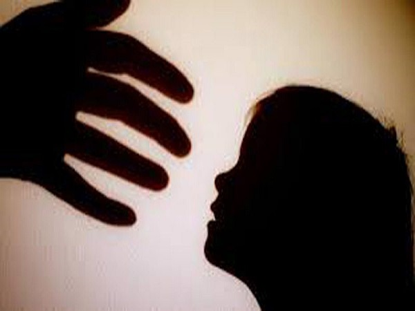 step father raped 12 year old daughter in muradnagar.