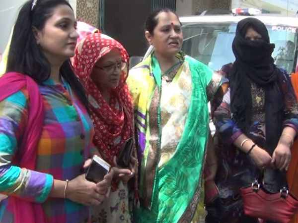 Women from red light area complained to SSP against policeman in Meerut