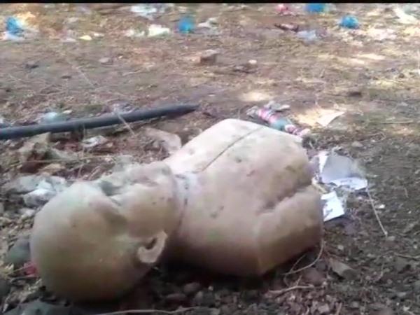 मध्य प्रदेश: देवास में कचरे के ढेर में पड़ी मिली श्यामा प्रसाद मुखर्जी की मूर्ति, मचा हड़कंप