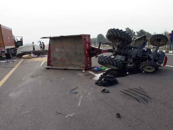 Two people killed in accident in Unnao