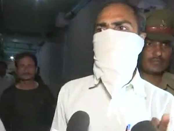 unnao gang rape victim uncle claims on the administration