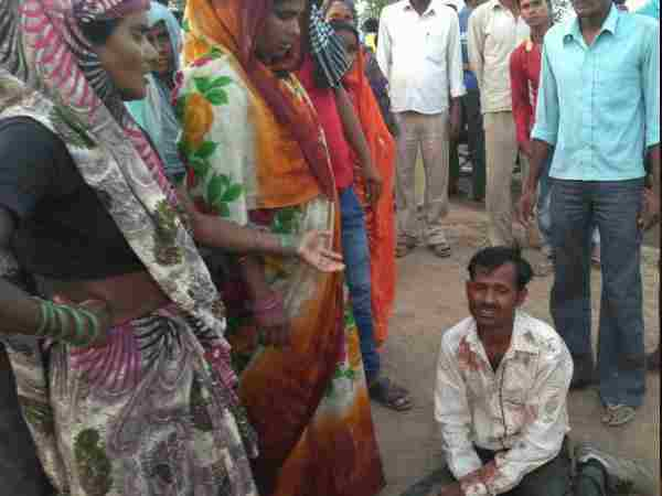 Wife and daughter killed in accident in Shahjahanpur
