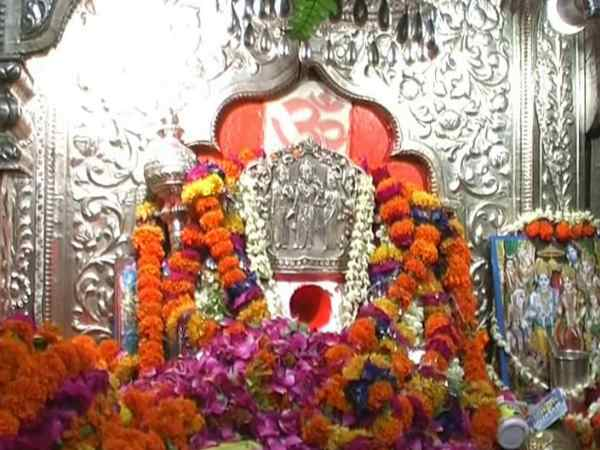 kanpur devotee placed AC on hanuman ji temple in uttar pradesh