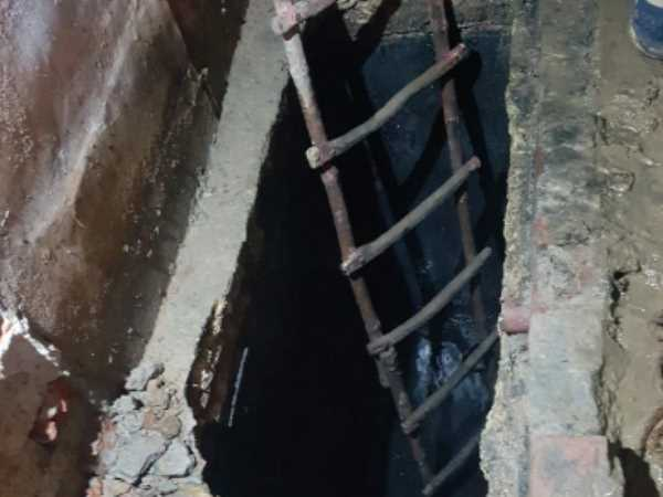 3 worker died while cleaning a sewer in agra