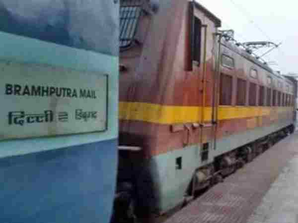 A child died in sleeper coach of Brahmputra train in Allahabad