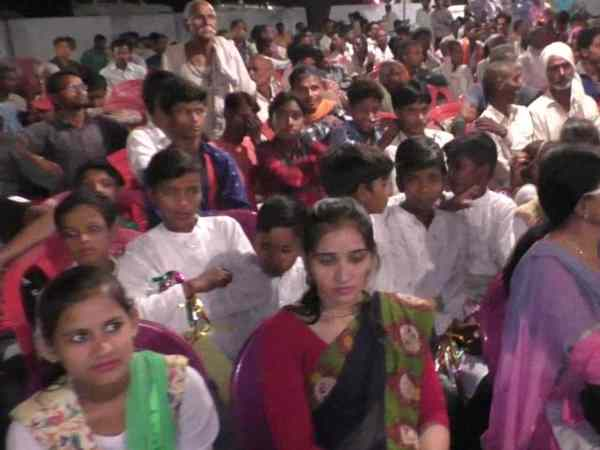 School children forced to wait minister of Yogi govt in Bahraich