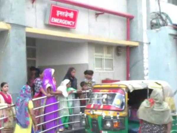 woman gave birth to a daughter under auto in Bareilly