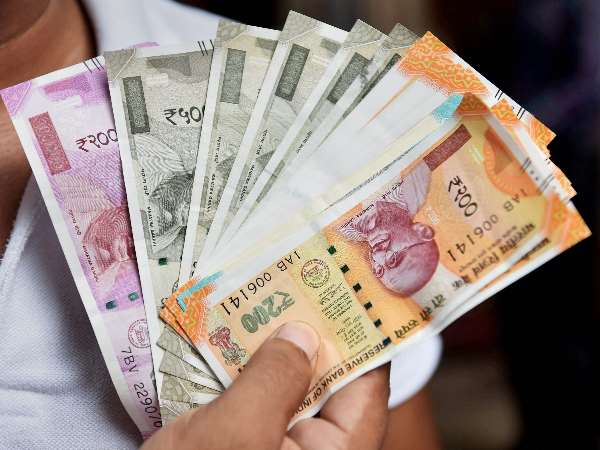 Rupee makes a comeback after government may announce measures to support the currency