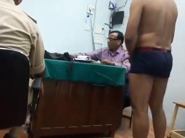 Image result for पुलिस भर्ती के दौरान एक ही कमरे में किया लड़के-लड़कियों का मेडिकल