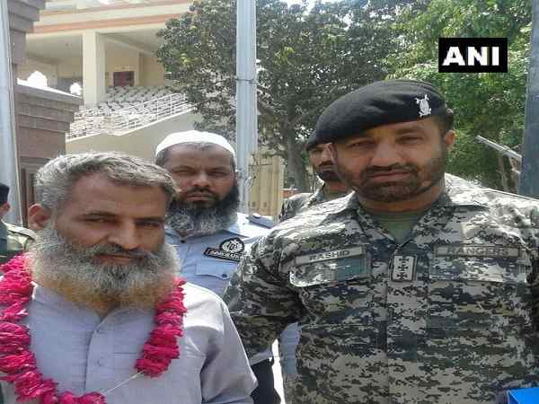 Pakistani civil prisoner Syed Sajid Ali Bukhari repatriated to Pak through Attari-Wagha border