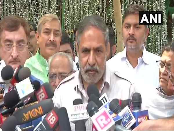 karnataka elections: BJP people who raided flat belongs to BJP leader tenant also a BJP leader says Anand Sharma
