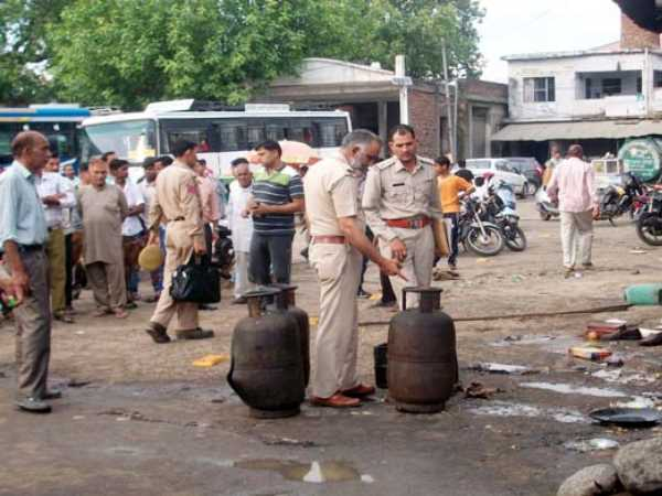 27 people injured in cylinder blast in Kangra