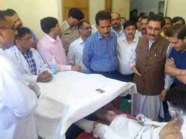 Cylinder ruptures:two people died,27 injured