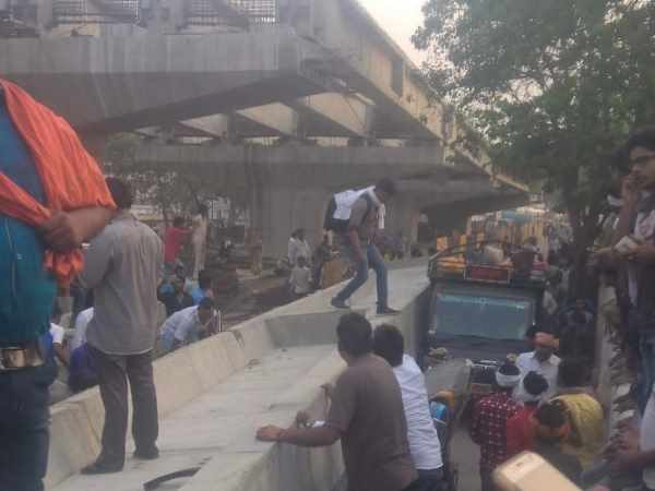 Very tragic Pics of overbridge fall in Varanasi