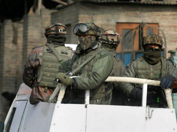 पुलवामा में पुलिस पिकेट पर आतंकी हमला, सुरक्षाबलों और आतंकियों के बीच एनकाउंटर