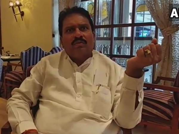 Karnataka Floor Test Congress Rajshekar Patil says 77 MLAs here in Hotel