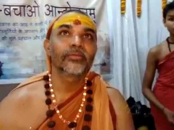 Sai Baba statue destroyed, case against disciples of Swami Swaroopanand