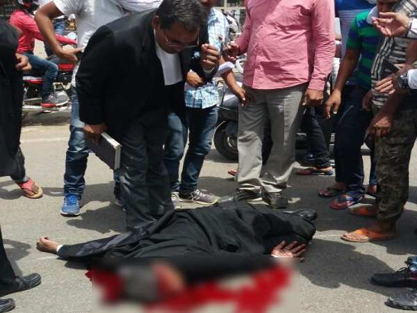 allahabad After the murder the violent attempts of the lawyers reached many cities