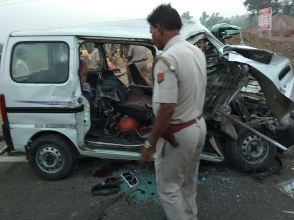 हापुड़: NH-9 पर भीषण सड़क हादसे में 6 लोगों की दर्दनाक मौत, कई गंभीर