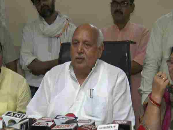 agricultural minister speaks up on government bungalow issue in kanpur
