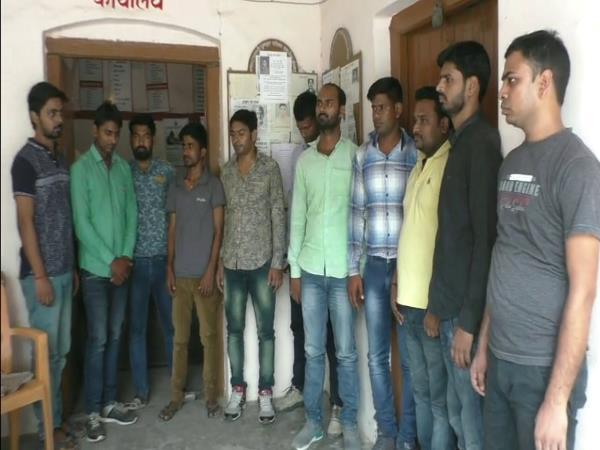 Gorakhpur Stf Arrested 11 Members Solver Gang