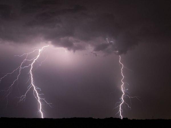 Uttar Pradesh 11 Dead Bahraich Chandauli Jaunpur After Struck By Lightning
