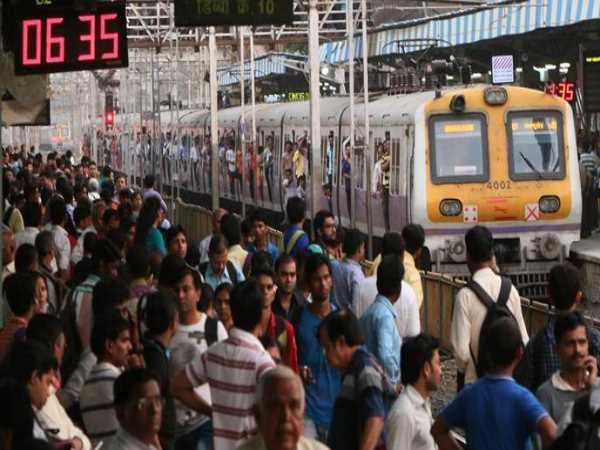 अलकायदा ने दी मुंबई लोकल को उड़ाने की धमकी, सुरक्षा एजेंसियां हुईं सतर्क