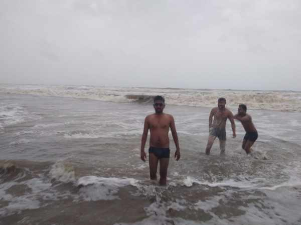 Five people died when tide of ocean washed them away in Goa