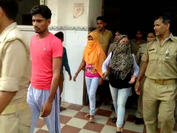 lucknow rex racket caught in hostel 5 boys and 3 girls arrested