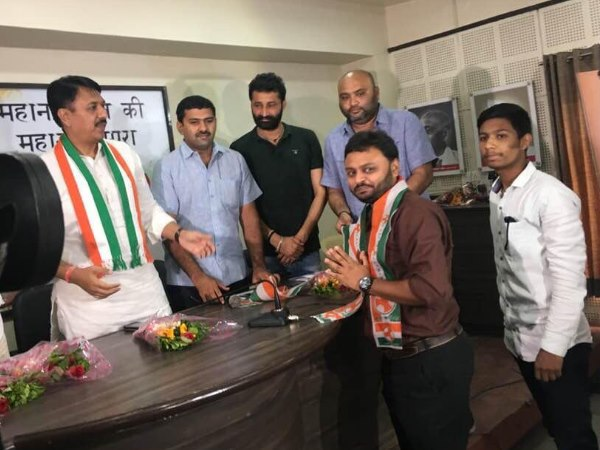 Gujarat BJP patan MP Liladhar Vaghela grandson Ajay Vaghela quit BJP and join Congress