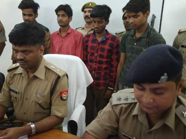 Phones Were Stolen To Fulfill The Expensive Hobby In Shahjahanpur