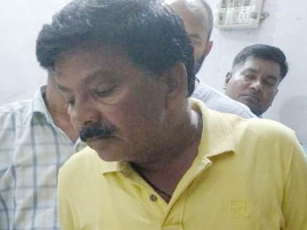 खुलेआम शराब पीकर रौब दिखा रहे थे भाजपा नेता, एक थप्पड़ में नशा हुआ काफूर