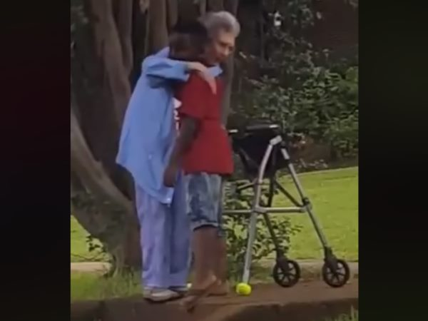 8 year boy help old woman winning hearts Video goes viral