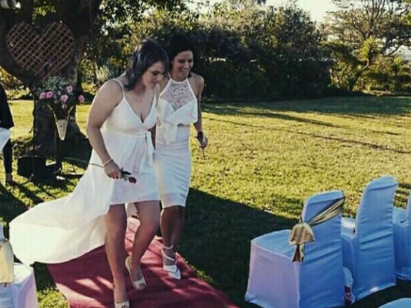 South Africa womens cricket captain tie the knot with team fast bowler