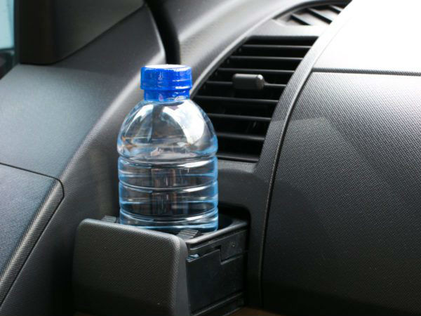 Why you should never leave a water bottle in a car, here is the reason