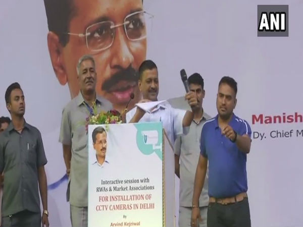 WATCH: Delhi CM Arvind Kejriwal tears a report of a Lieutenant Governor committee on CCTV cameras